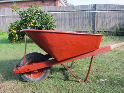 SUPER STURDY RED WHEELBARROW FOR SALE Beverly Hills Hurstville Area Preview