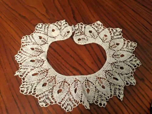 ANTIQUE BOBBIN LACE COLLAR FROM GERMANY