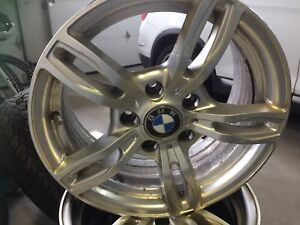 4 Roues ( MAGS ) 17x8 pouces