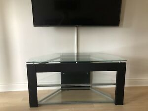 Tv stand / tv table