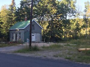 Fixer upper house for sale in cottage town burks falls