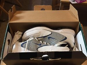 Men's Nike Golf shoes size 10