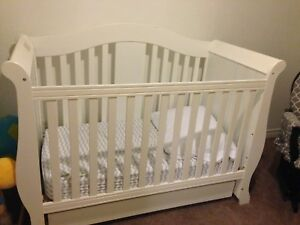 Beautiful crib for sale