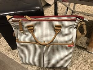 Skip Hop - DUO SPECIAL EDITION LUXE DIAPER BAG - FRENCH STRIPE