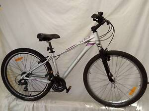 FLIGHT 'TRAVERSE 2' MOUNTAIN BIKE GREAT CONDITION & VALUE