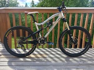 Santa Cruz Nomad full suspension mt bike, medium