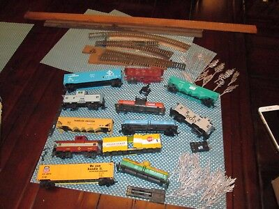 Vtg Assorted Lot Train12 Cars Locomotive Wood Tracks Steel Trees Csx Dow Dupont