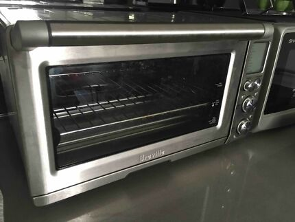 Stainless Steel Oven/Grill 2400W in very good condition Breville