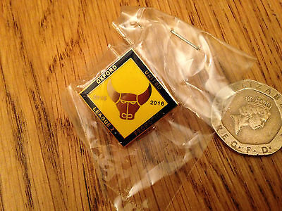 Oxford United 2015-16 League 1 promotion Pin Badge -  Brand New Design