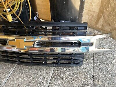 2019 2020 Chevrolet  Silverado 1500 Grille Chrome LTOEM GM 84493304