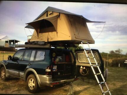 Fully equiped 4x4 V6 autom Pajero new rooftoptent