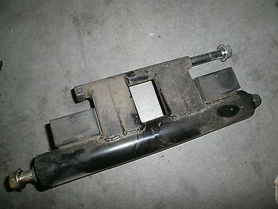 Motorhalterhalterung für einen Suzuki Epicuro AX UC125 Baujahr 1999 10425
