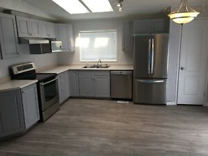 Need to sell.. Professionally Renovated 3 Bedroom Home - Warburg