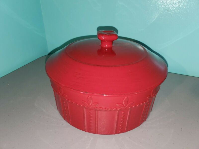 Signature Sorrento Red Round Covered Casserole Dish