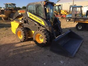 New Holland L225 Skidsteer