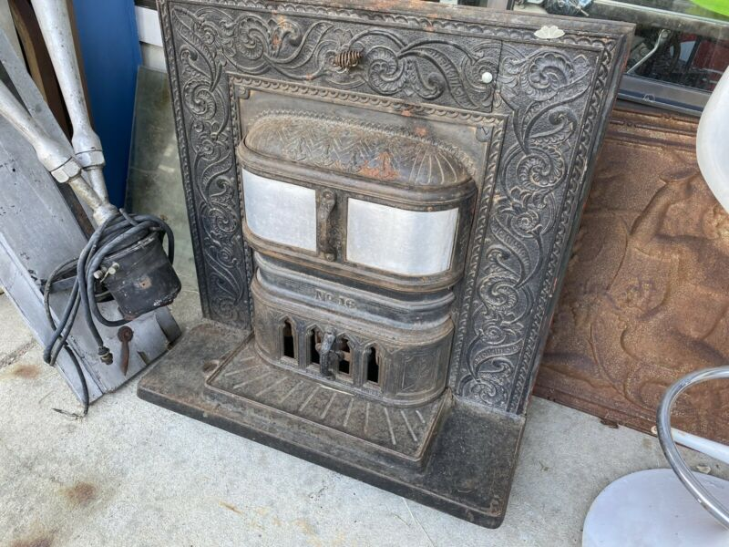 Antique Fireplace Insert — VicToriaN CasT IRoN VinTaGe ManTle SuRrOuNd
