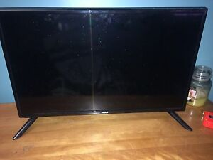 "Two month old 28"" RCA led tv/DVD combo retails for $309.99"