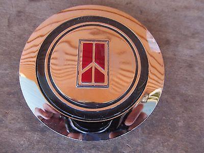 Nos 1987 1988 Oldsmobile  Gm  Wire Wheel Hub Cap Center Emblem