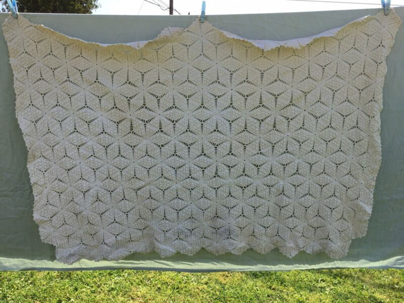 "Heirloom Popcorn Snowflake Cream Crochet Throw Table Cloth handmade 42"" x 60"""