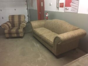 Matching Couch and Chair Set *****Free Delivery****
