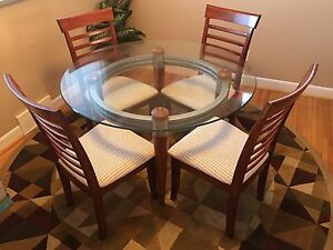 Table, Chairs & Area Rug