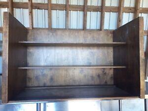 Meuble de plywood ruse