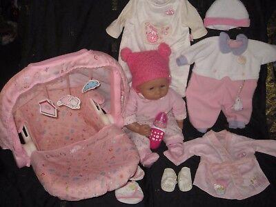 BABY ANNABELL PAKET: PUPPE MIT INTERACTIVE SCHNULLER, MAXI COSY, 4 OUTFITS.....! gebraucht kaufen  Mettmann