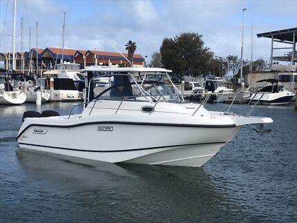Boston Whaler Conquest 255