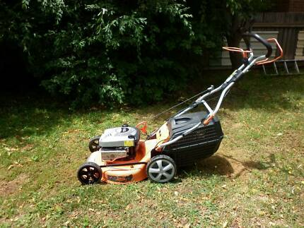 Briggs and Stratton 4 stroke Lawn Mower*Very Easy To Start*