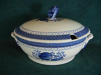 Royal Copenhagen Pattern #11 Tranquebar Blue Shape 920 Large Soup Tureen w/ Lid