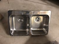Kitchen double bowl stainless sink