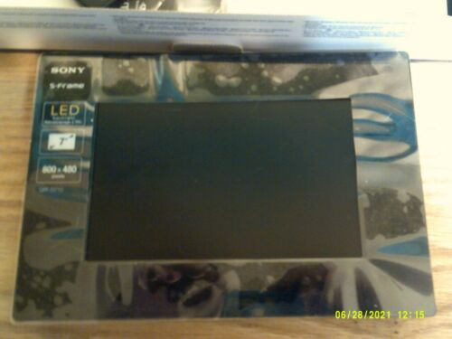 """Sony DPF-D710 7"""" Digital Picture Frame"""