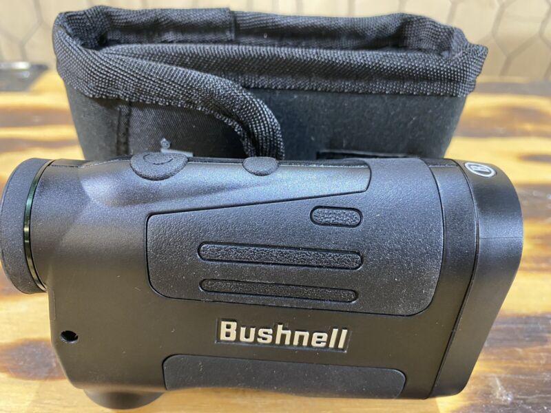 Bushnell Prime 1300 Laser Rangefinder Mint W/ Case.