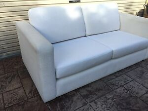 2.5 SEATER FREEDOM WHITE FABRIC MODERN SOFA / COUCH - THE CAFE CLUB Brighton Bayside Area Preview