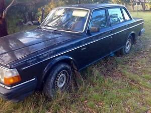 1987 Volvo 240 sedan Westerway Derwent Valley Preview