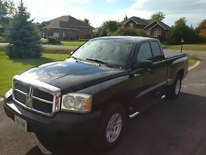 2005 Dodge Dakota ST Pickup Truck