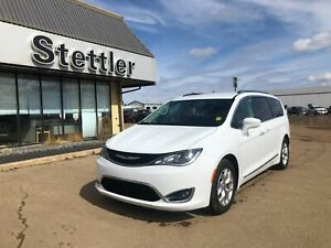 2018 Chrysler Pacifica Touring-L Plus 8 PASSENGER! DVD! LEATHER!