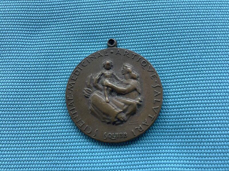 SQUIBB SCIENTIAE MEDICINAE ARTIQVE SALVTARI 18427 INSURANCE TAG
