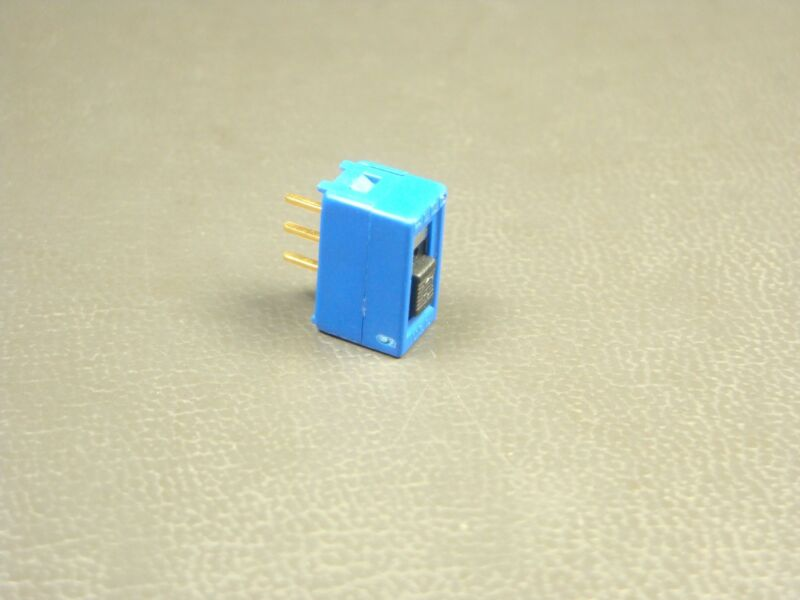 MSSA104D-1 Alco Slide Switch Single Pole Double Throw Thru-Hole 3A NOS