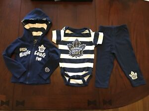 Toronto Maple Leafs suit, size 6 months. New condition