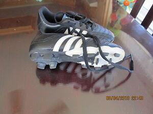 soulier adidas de soccer à vendre