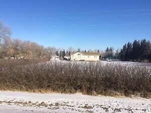 Acreage for sale! 7.5 acres, 1400sqft house, Shop, Barn!