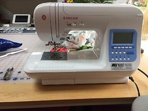 REDUCED!!  Singer 9970 Sewing Machine