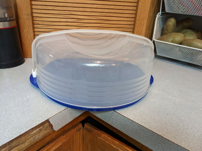 Tupperware #3062 Round Cake Pie Taker Carrier Blue Base Sheer Domed Top