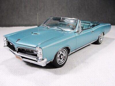 1/24 Scale 1967 Pontiac GTO Convertible Die Cast Model Car with Box Danbury Mint