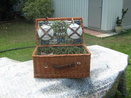 Picnic basket in townsville region qld gumtree australia free antiques picnic basket set negle Gallery