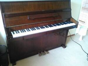 Good quality piano for sale - Young Chang Springwood Blue Mountains Preview