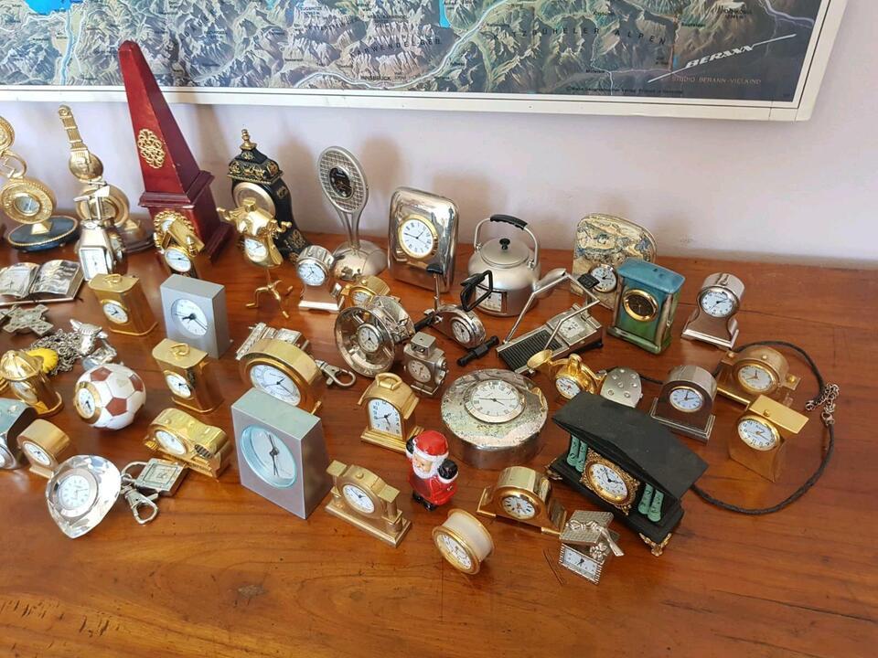 Miniatur Uhren Figuren in Groß-Gerau