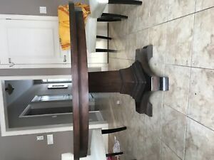 Beautiful round Critelli's solid wood pedestal table