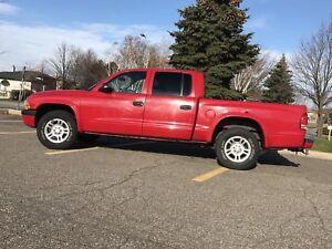 Red Dodge Dakota 2004 $2700